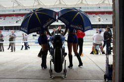 Les Grid Girls du Team Suzuki MotoGP