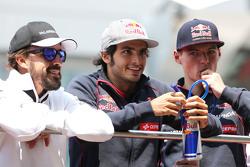 Fernando Alonso, McLaren-Honda; Carlos Sainz, Scuderia Toro Rosso, und Max Verstappen, Scuderia Toro Rosso