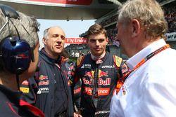 Франц Тост, руководитель Scuderia Toro Rosso с Максом Ферстаппеном, Scuderia Toro Rosso и доктор Хел