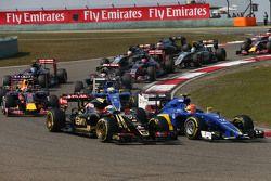 Romain Grosjean, Lotus F1 E23 at the start of the race