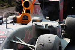 Daniil Kvyat, Red Bull Racing RB11 se retiró de la carrera con un motor de roto