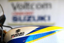 VOLTCOM Crescent Suzuki detail