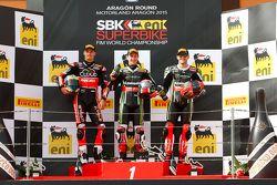 领奖台: 第二名, Chaz Davies, 杜卡迪车队;比赛获胜者 Jonathan Rea, 川崎车队;第三名, Tom Sykes, 川崎车队