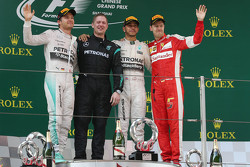 Podium : le vainqueur Lewis Hamilton, Mercedes AMG F1, le deuxième Nico Rosberg, Mercedes AMG F1, le troisième Sebastian Vettel, Ferrari