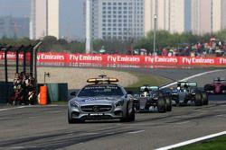 Пейс-кар и Льюис Хэмилтон, Mercedes AMG F1 Team