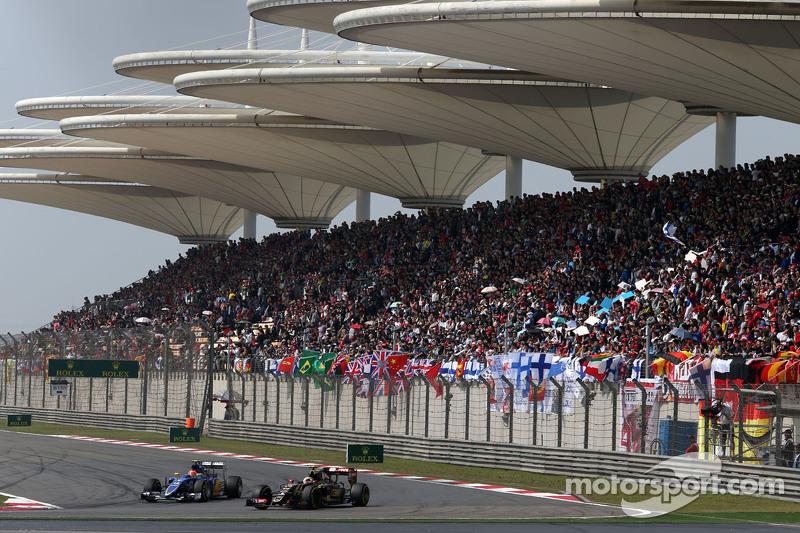 Pastor Maldonado, Lotus F1 Team, dan Felipe Nasr, Sauber F1 Team