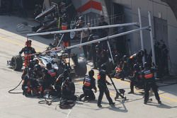 Серхио Перес, Sahara Force India F1 VJM08 во время пит-стопа