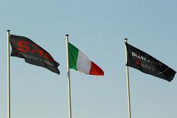أعلام، أس آر أو، وإيطاليا، وبلانكبين جي تي سيريز
