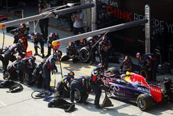 Даниэль Риккардо, Red Bull Racing RB11 во время пит-стопа