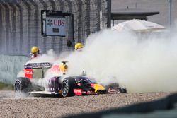 Даниил Квят, Red Bull Racing RB11 выбыл из гонки из-за поломки двигателя