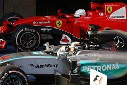Победитель гонки Льюис Хэмилтон Mercedes AMG F1 празднует в закрытом парке