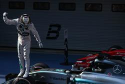 1. Lewis Hamilton, Mercedes AMG F1 W06, 2. Nico Rosberg, Mercedes AMG F1, und 3. Sebastian Vettel, F
