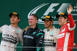 Nico Rosberg, Mercedes AMG F1 Team, Lewis Hamilton, Mercedes AMG F1 Team and Sebastian Vettel, Scuderia Ferrari