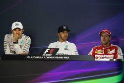 Пресс-конференция ФИА после гонки: Нико Росберг Mercedes AMG F1 - второй; Льюис Хэмилтон Mercedes AM