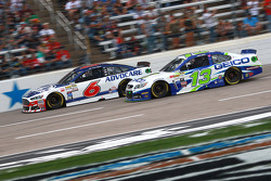 Casey Mears, Germain Racing,雪佛兰,和Trevor Bayne, Roush Fenway福特