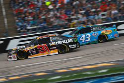 Ryan Newman, Richard Childress Racing Chevrolet and Aric Almirola, Petty Racing Ford
