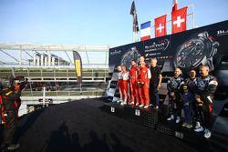 Amateur-Podium: Rennsieger Kessel Racing, Ferrari 458 Italia: Stephen Earle, Marco Zanuttini, Liam T