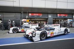 #17 Porsche Team 919 Hybrid: Timo Bernhard, Mark Webber, Brendon Hartley y el #18 Porsche Team 919 Hybrid: Romain Dumas, Neel Jani, Marc Lieb