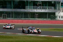 #7 Audi Sport Team Joest R18 e-tron quattro: Marcel Fassler, Andre Lotterer, Benoit Tréluyer and #8