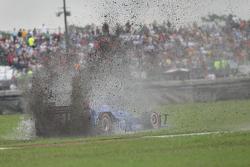 Tony Kanaan, Chip Ganassi Racing Chevrolet en tête-à-queue