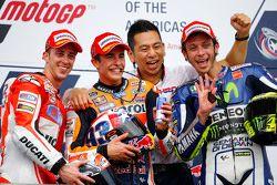 Podio: segundo lugar Andrea Dovizioso, Ducati y ganador Marc Márquez, Repsol Honda Team y tercer lugar Valentino Rossi, de Yamaha Factory Racing