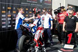 Kyle Smith, Pata Honda, fête son podium avec son équipe