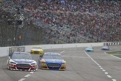 Trevor Bayne, Roush Fenway Racing Ford and Sam Hornish Jr., Richard Petty Motorsports Ford