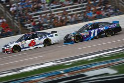 Trevor Bayne, Roush Fenway Racing Ford ve Denny Hamlin, Joe Gibbs Racing Toyota