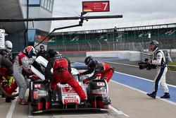 #7 Audi Sport Team Joest R18 e-tron quattro: Marcel Fassler, Andre Lotterer, Benoit Tréluyer