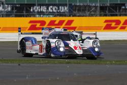 #2 Toyota Racing TS040 Hybrid: Алекс Вурц, Стефан Саррацін, Майк Конвей