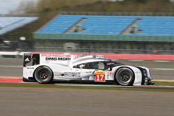 #17 Porsche Team 919 Hybrid: Timo Bernhard, Mark Webber, Brendon Hartley