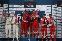 Podium GTE Pro : les vainqueurs Gianmaria Bruni, Toni Vilander, les deuxièmes Richard Lietz, Michael Christensen, les troisièmes Davide Rigon, James Calado