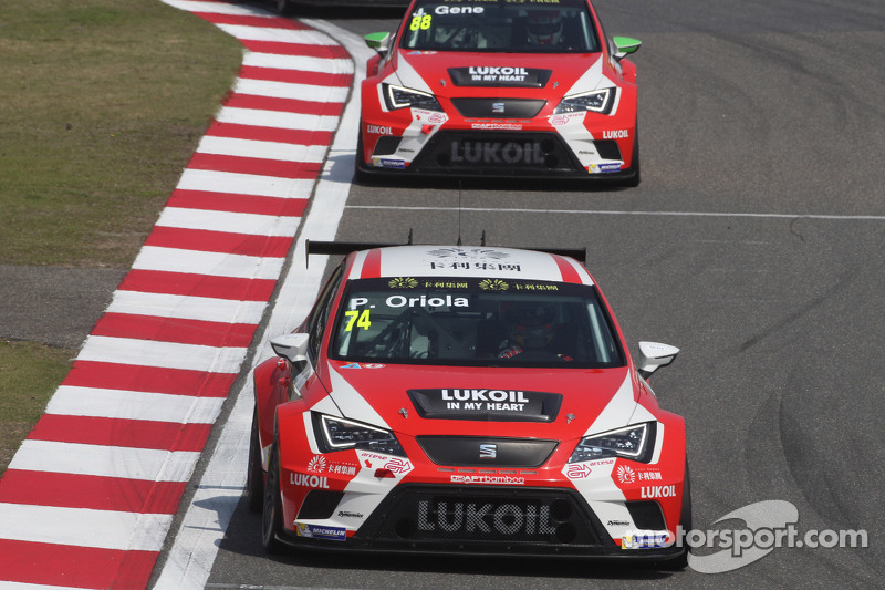 Pepe Oriola, SEAT Leon Racer, Team Craft-Bamboo LUKOIL,和Jordi Gene, SEAT Leon Racer, Team Craft-Bamboo LUKOIL