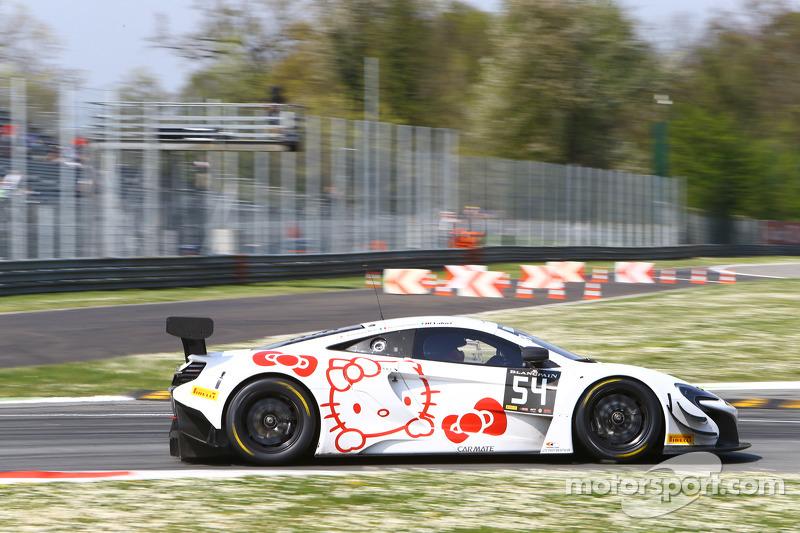#54 Attempto Racing McLaren 650S GT3: Ronnie Valori, Alessandro Balzan, Yoshiharu Mori