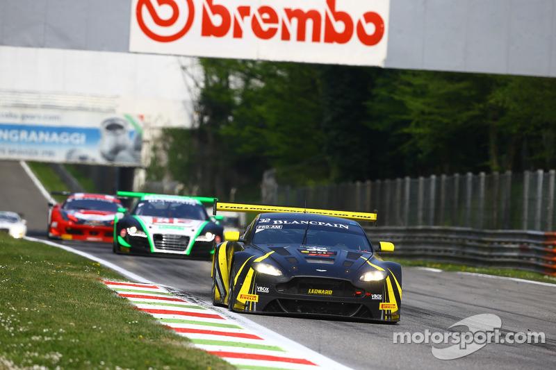 #32 Leonard Motorsport AMR, Aston Martin Vantage GT3: Stuart Leonard, Paul Wilson, Michael Meadows