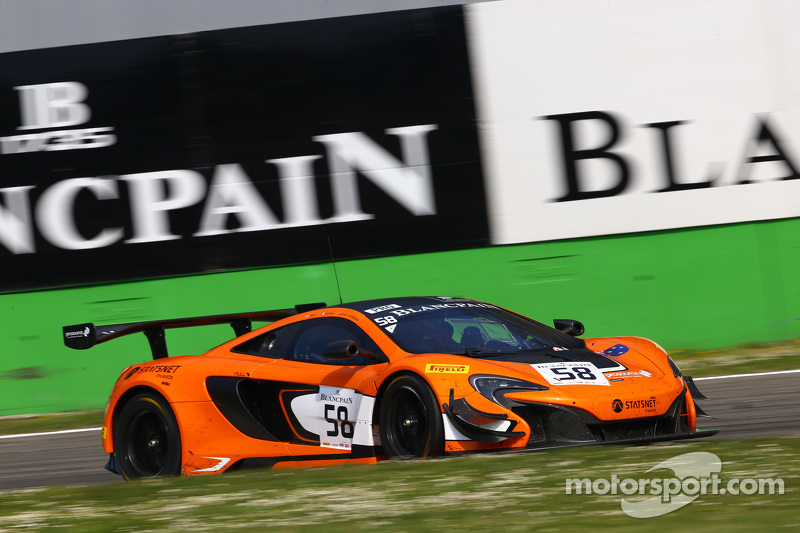 #58 Von Ryan Racing: Shane van Gisbergen, Robert Bell, Kevin Estre