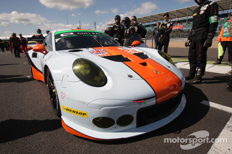 #86 海湾车队,英国,保时捷911 RSR: Michael Wainwright, Adam Carroll, Philip Keen