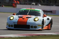 #86 Gulf Racing UK, Porsche 911 RSR: Michael Wainwright, Adam Carroll, Philip Keen