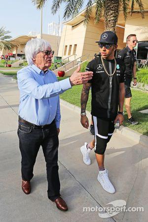 Bernie Ecclestone con Lewis Hamilton, Mercedes AMG F1