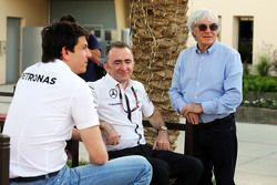 (L to R): Toto Wolff, Mercedes AMG F1 Shareholder and Executive Director with Paddy Lowe, Mercedes A