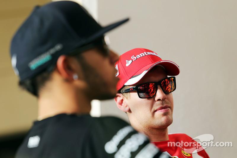 Sebastian Vettel, Ferrari, und Lewis Hamilton, Mercedes AMG F1