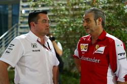 Eric Boullier, Rennleiter McLaren, und Maurizio Arrivabene, Ferrari-Teamchef