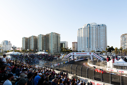 Long Beach, Fans verfolgen das Training