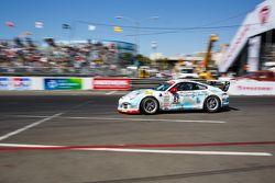 #81 DragonSpeed Porsche 911 GT3 Cup: Victor Gomez