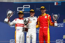 Podium: race winner Stoffel Vandoorne, ART Grand Prix, second place Rio Haryanto, Campos Racing, third place Alexander Rossi, Racing Engineering