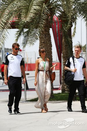 Jenson Button, McLaren with wife Jessica Button, and Kevin Magnussen, McLaren Test and Reserve Drive