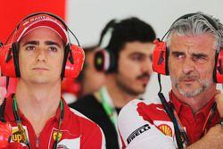 Esteban Gutierrez, pilote d'essais et de réserve Ferrari avec Maurizio Arrivabene, Team Principal de Ferrari