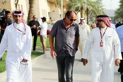 Gerhard Berger, con el príncipe heredero Shaikh Salman bin Hamad Isa Al Khalifa