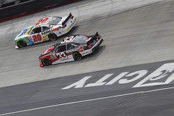Erik Jones, Joe Gibbs Racing Toyota, Austin Dillon, Richardt Childress Racing Chevrolet