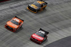 Daniel Suarez, Joe Gibbs Racing Toyota, Chris Buescher, Roush Fenway Racing Ford